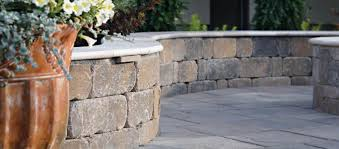 Castle Manor Grana Wall w/ Coping